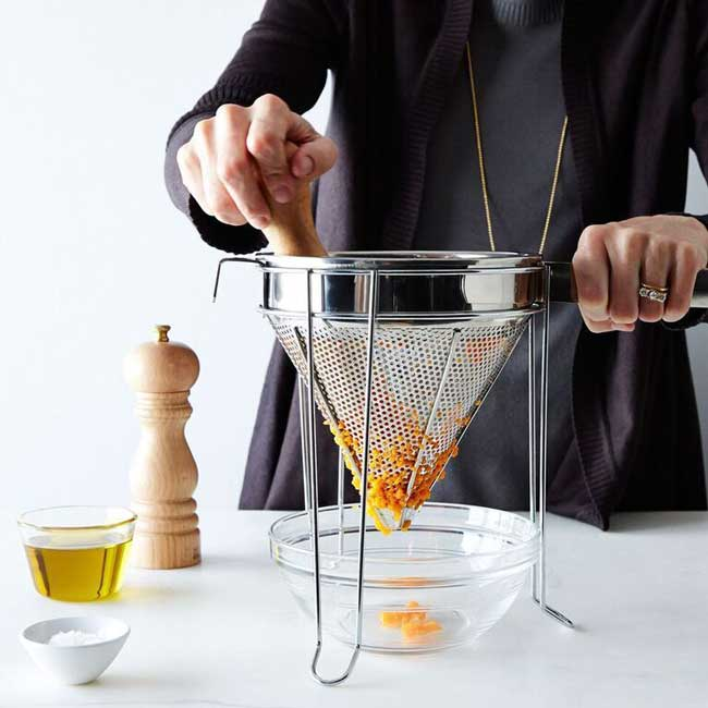 How to Clean Mesh Strainer