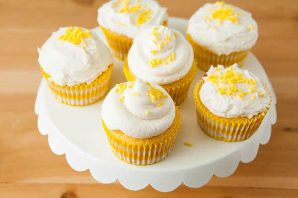 How to Frost Cupcakes with Piping Bag