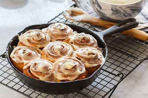 How To Reheat Cinnamon Rolls In The Pan